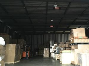気和商運輸本社倉庫内部